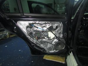 Шумоизоляция двери Mercedes Benz W212