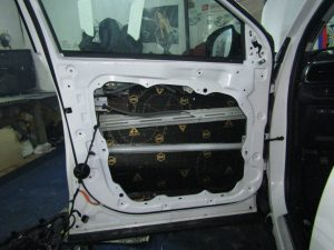 Шумоизоляция двери Kia Sorento Prime StopShum