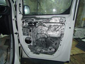 Шумоизоляция двери Opel Zafira StopShum