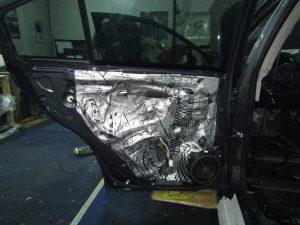 Шумоизоляция двери Subaru StopShum