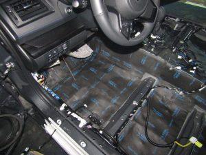 Шумоизоляция пола Subaru StopShum