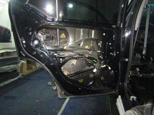 Шумоизоляция двери  Toyota Fortuner StopShum