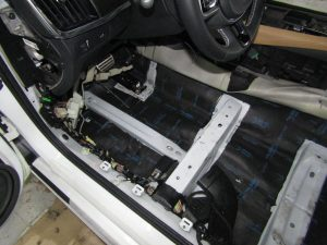 Шумоизоляция пола Volvo V90 Stopshum