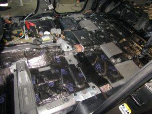 Шумоизоляция Land Rover Discovery StopShum