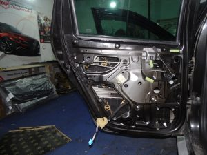Шумоизоляция двери Renault Duster StopShum