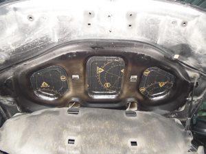 Шумоизоляция капота Renault Duster StopShum