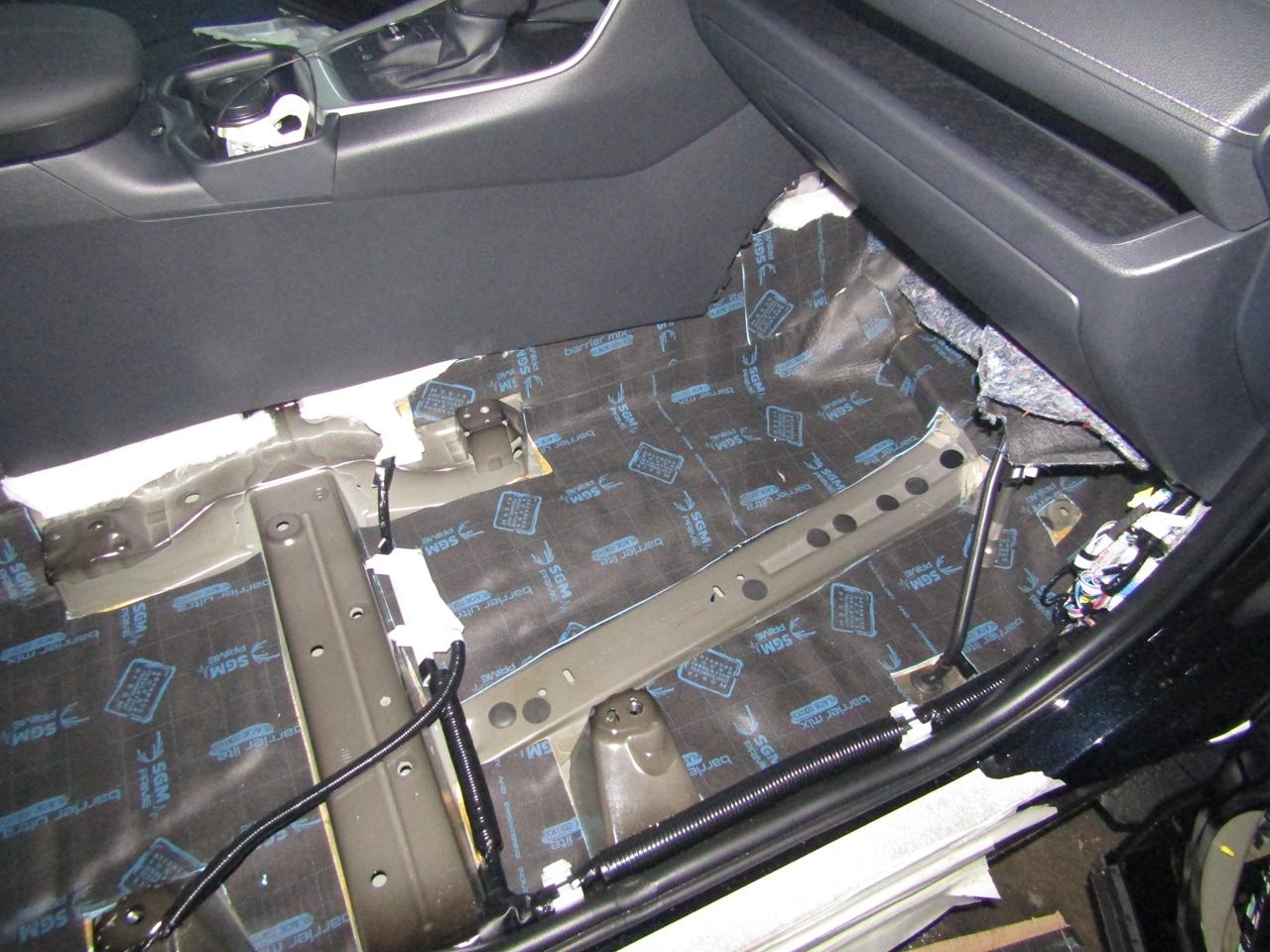 Шумоизоляция Toyota Rav4 Stopshum