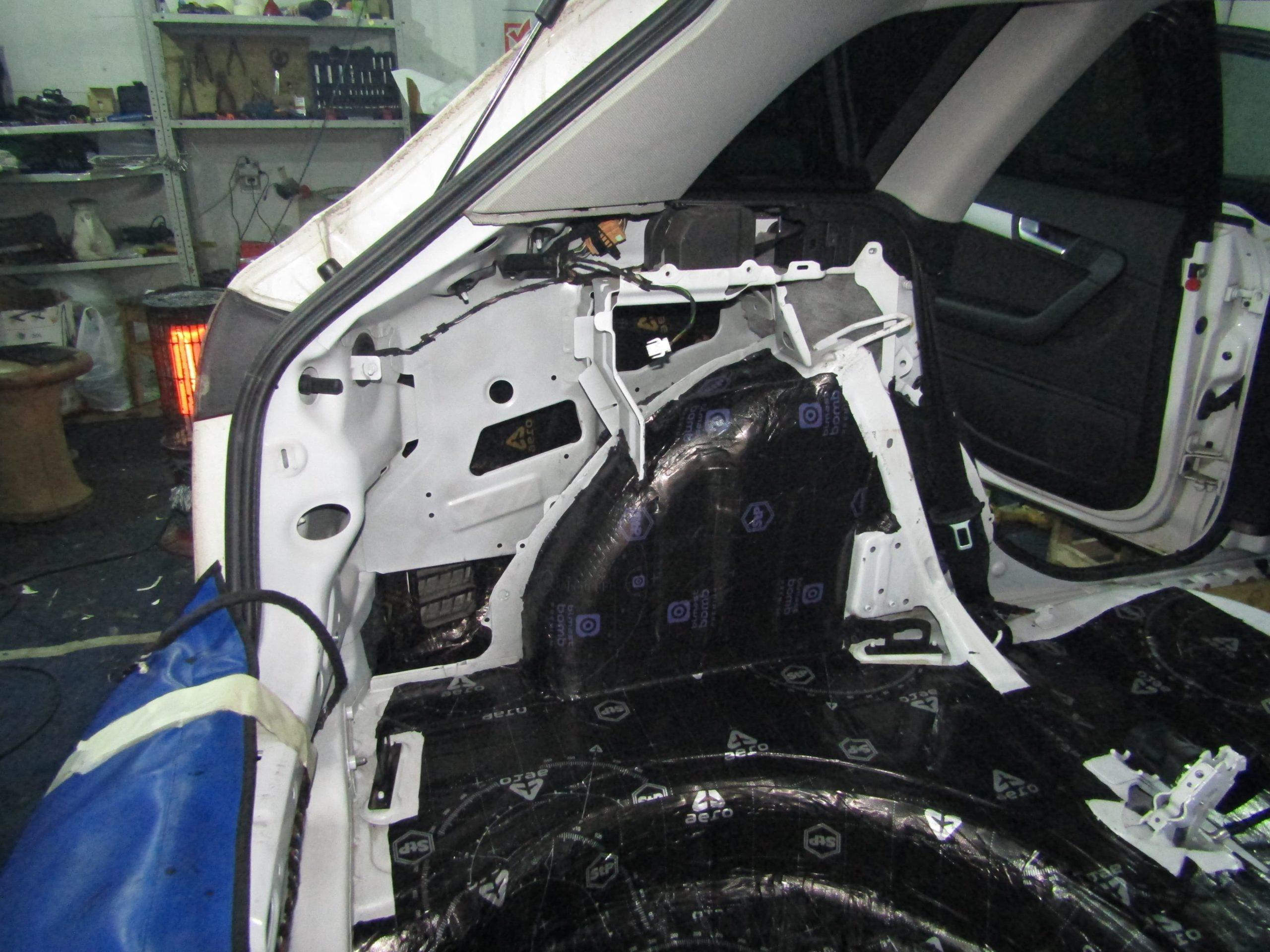 Шумоизоляция Audi A3 Stopshum