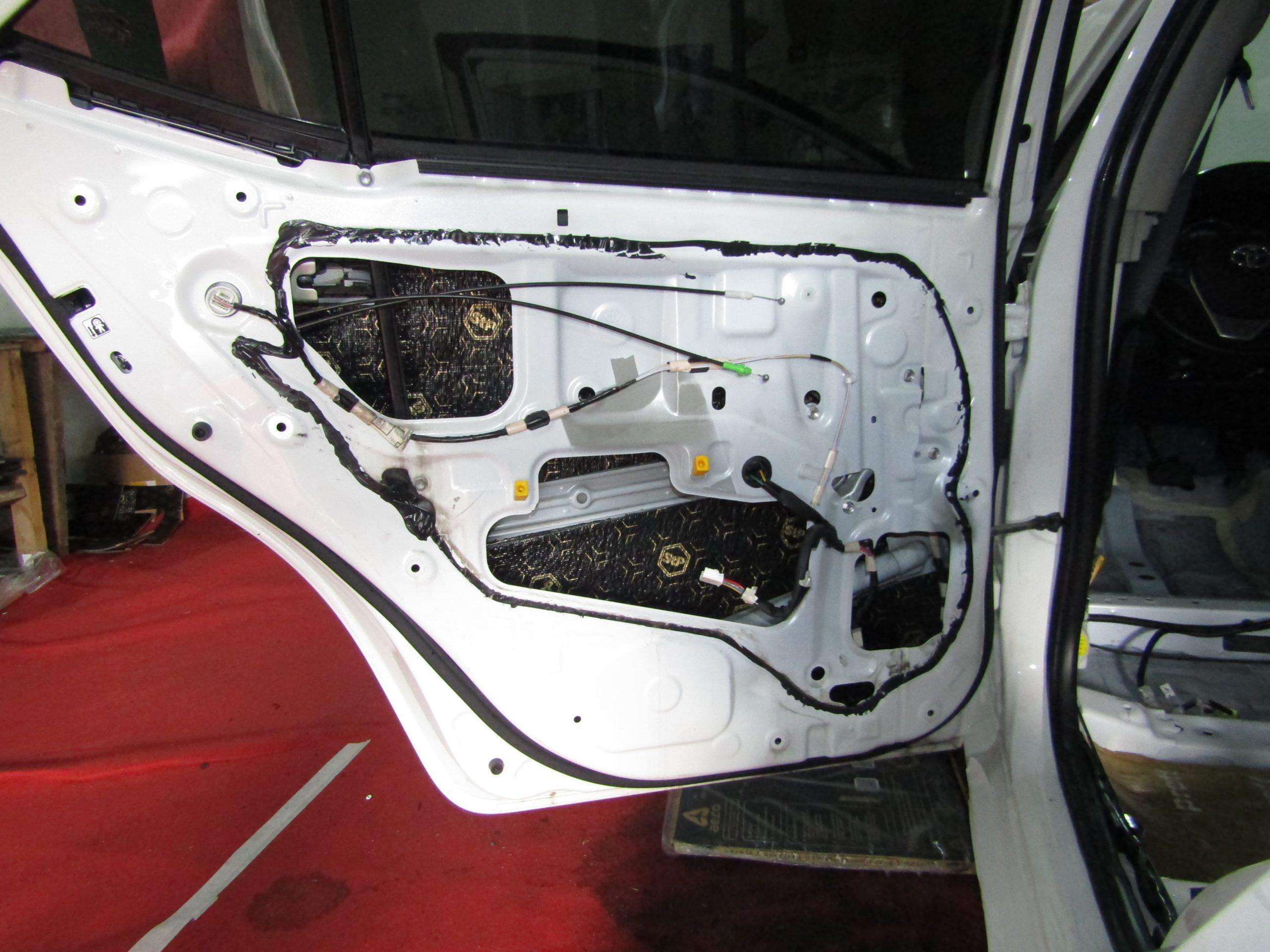 Шумоизоляция Toyota Corolla E160 Stopshum